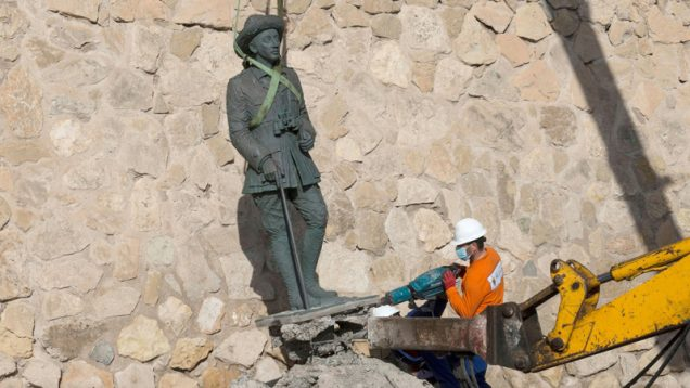 Last public statue of Spanish dictator Franco is removed from Mellina – Africa